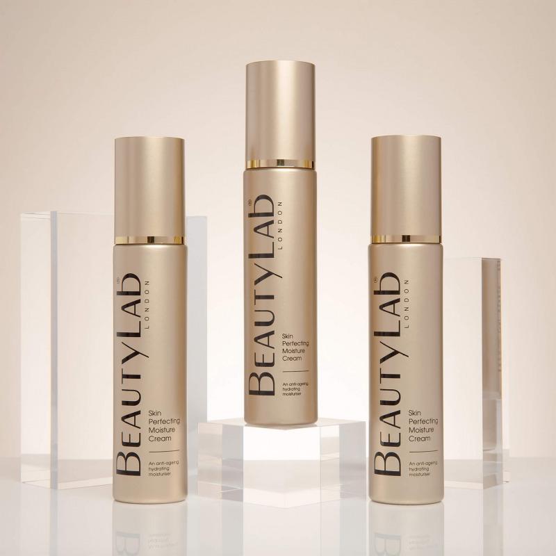 Anti-ageing Skin Perfecting Moisture Cream Lifestyle trio