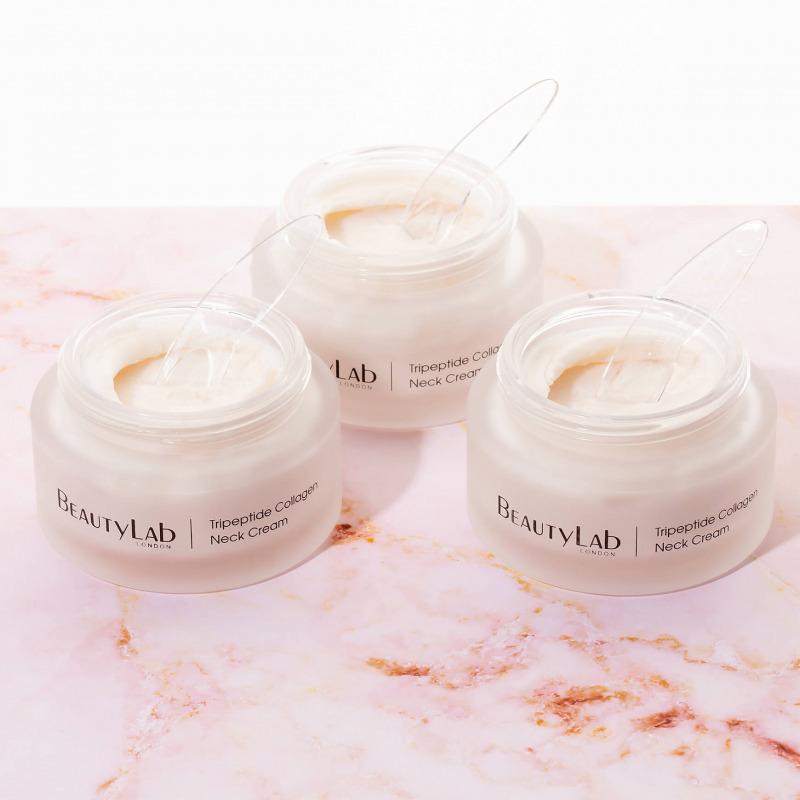 Anti-ageing Tripeptide Collagen Neck Cream Lifestyle
